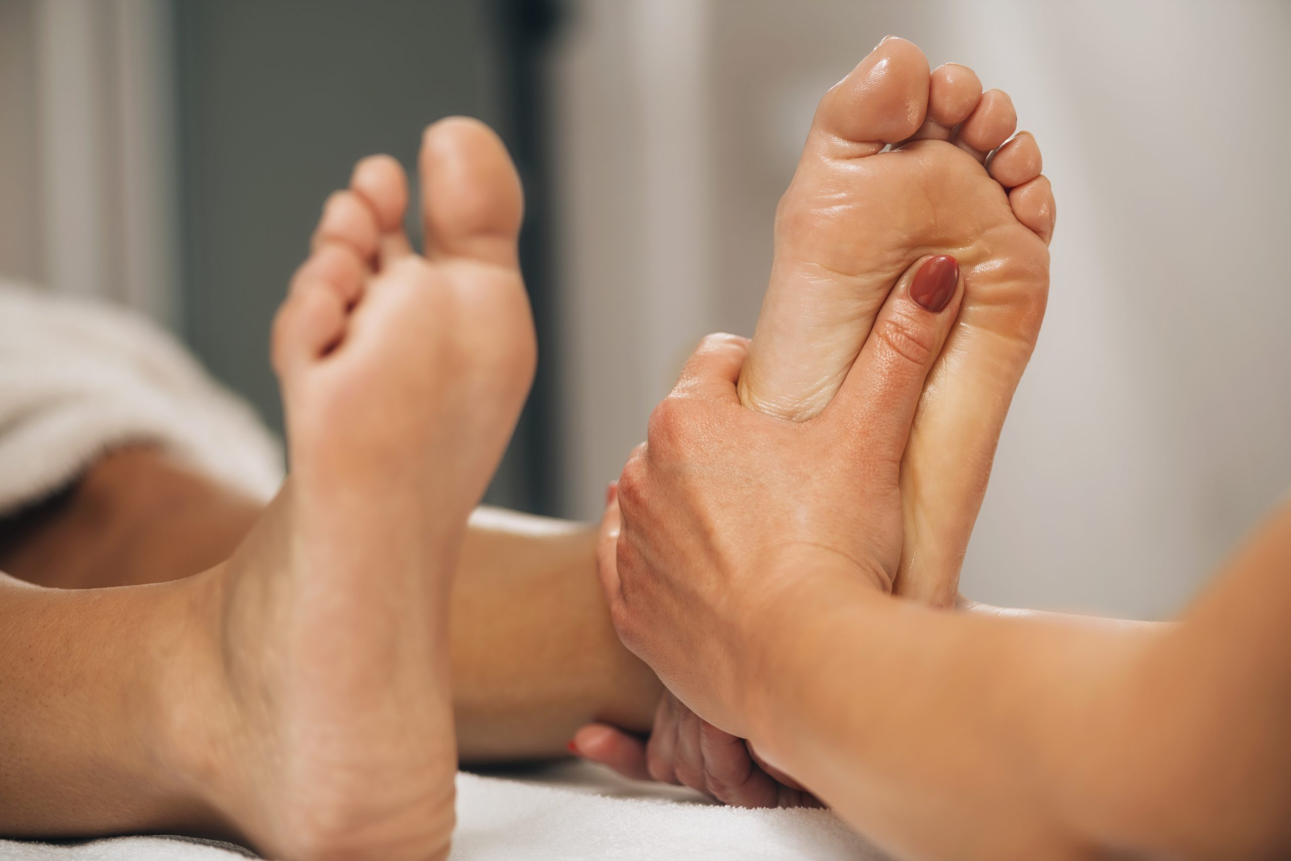 reflexology foot massage HVJGN2E