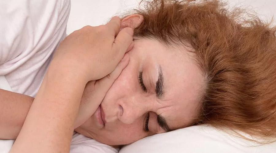 Douleur à la mâchoire et massage